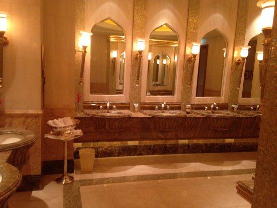Bagni marmo e oro foto di emirates palace abu dhabi tripadvisor