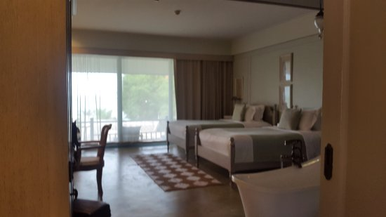 Devasom Hua Hin Resort: Seaside Deluxe Twin Room