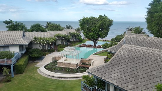 Devasom Hua Hin Resort: Nice sea & swimming pool view