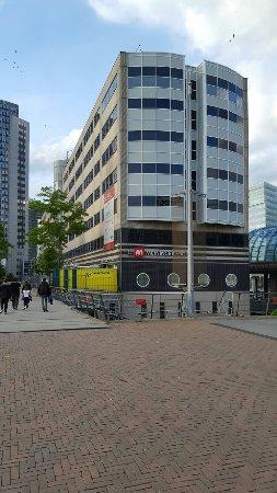 MEININGER Hotel Amsterdam City West: 20160618_201629_large.jpg