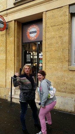 Monument Cafe Versailles: Monument Café Versailles