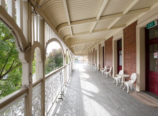 Criterion Hotel Warwick French doors of the verandah rooms open out onto this. Overlooking & French doors of the verandah rooms open out onto this. Overlooking ...