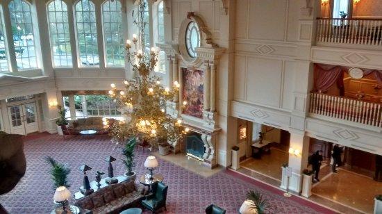 À l\'intérieur d\'une des suites - Picture of Disneyland Hotel, Chessy ...