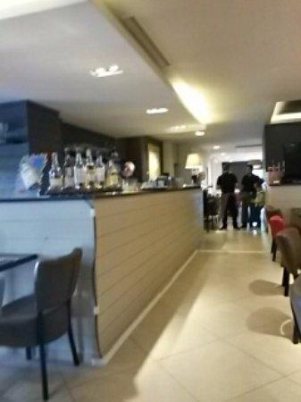 Ittre, Belgien: Bar et salle à manger
