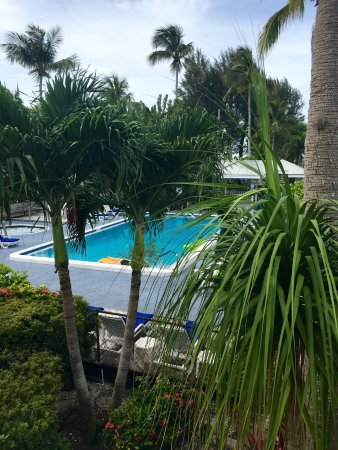 Caribe Beach Resort: Pictures of the grounds