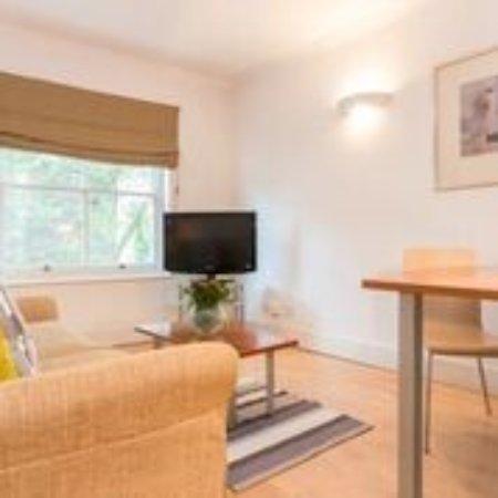 Notting Hill Apartments by Bridgestreet: Lounge Area of Studio Apartment