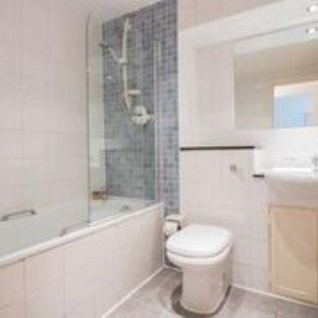 Notting Hill Apartments by Bridgestreet: Bathroom