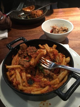 Zizzi - Finchley : Lack of meatballs and a very raw