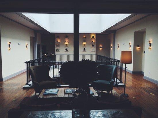 Pittsfield, Массачусетс: Third Floor Lobby