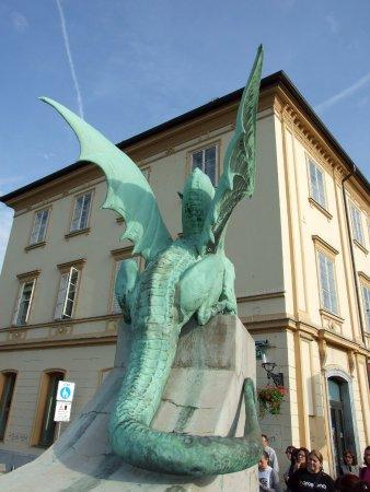 Dragon Back Fotografia De Puente De Los Dragones Liubliana