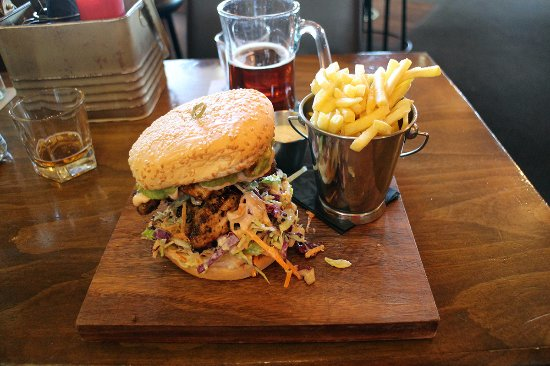 The Redoubt Bar and Eatery: DirtyBird Burger