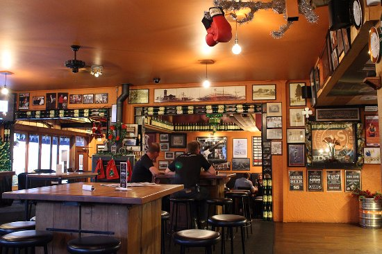 The Redoubt Bar and Eatery : Redoubt