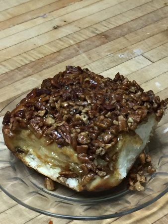 Christopher's Cafe: Pecan sticky bun