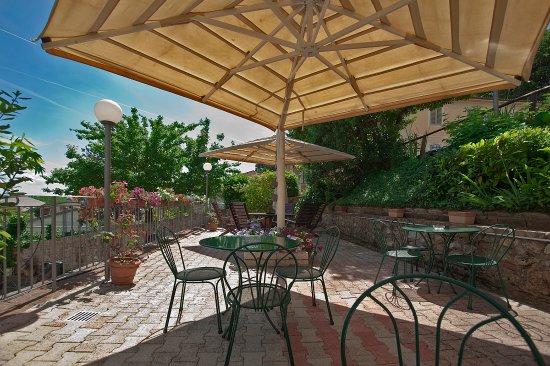Hotel Arcobaleno: La terrazza