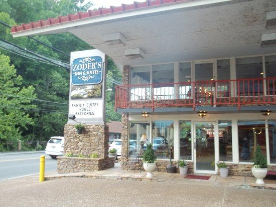 Zoders Inn & Suites ภาพถ่าย