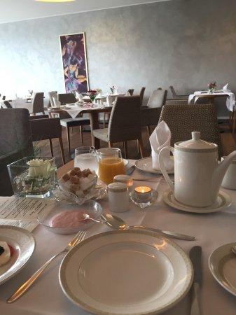 Hotel Villa Hugel: Dining room