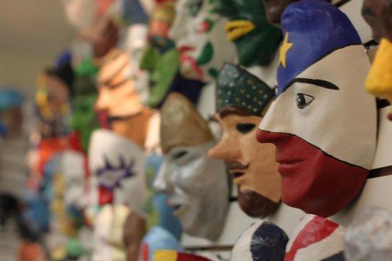 Grand Etang, Kanada: Come visit our gorgeous museum of masks! / Venez visiter notre superbe exposition de masques!