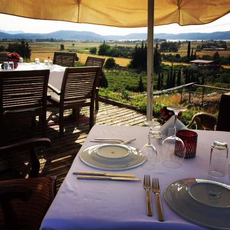 Erenler Sofrasi : Dining area over looking the Tuzla lake