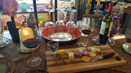 Granville, OH: Wine and cheese snack
