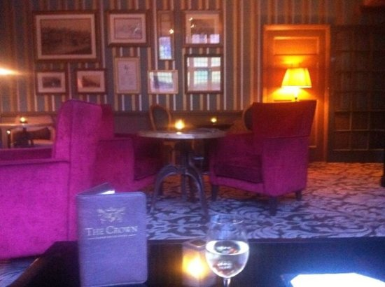 The Crown Manor House Hotel: Lounge