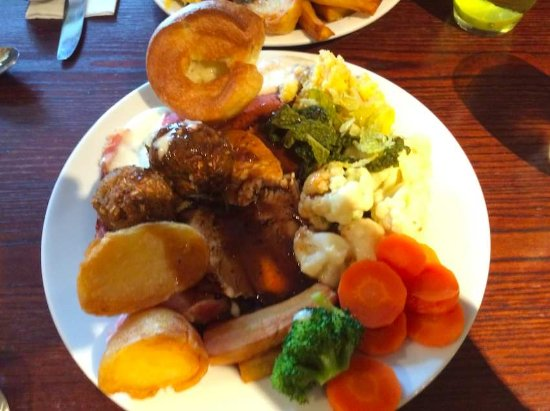 Winterbourne, UK: Sunday carvery serving choice of two meats (regular)