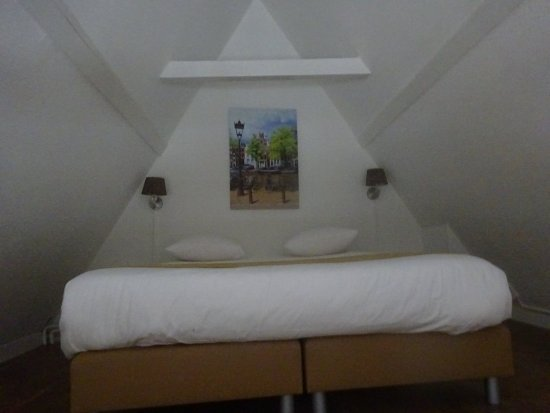 Hotel Residence Le Coin: Attic bedroom