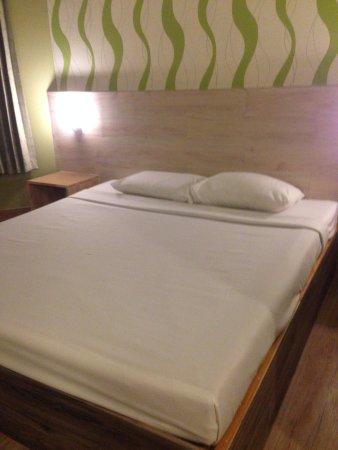 Bangkok City Inn: The staff change us to a new room