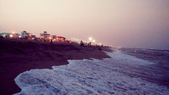 Breezy Beach : Thiruvanmiyur beach