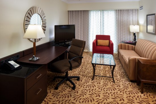 Houston Marriott Energy Corridor: King Suite