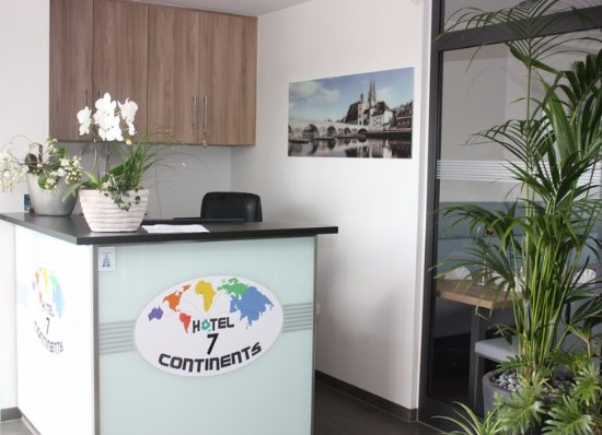 Neutraubling Germany  City new picture : Neutraubling, Germany: Hotel 7 continents reception