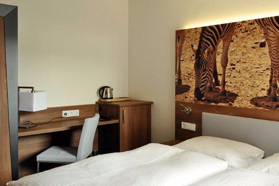 Neutraubling, Deutschland: Hotel-7-continents-Deluxe_double room