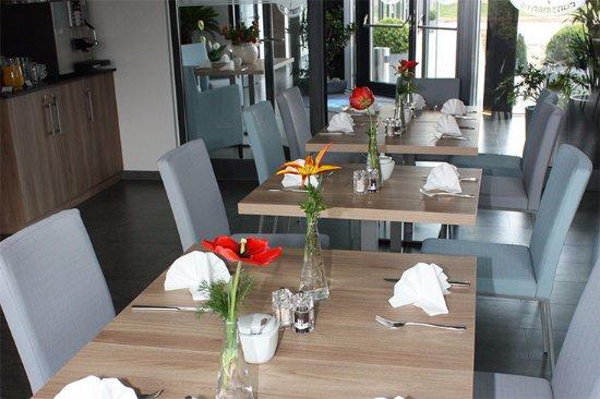 Neutraubling, Deutschland: Hotel-7-continents_Breakfast_room