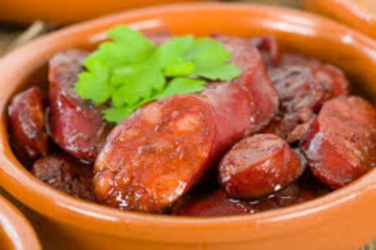 Chorizo in red wine & garlic