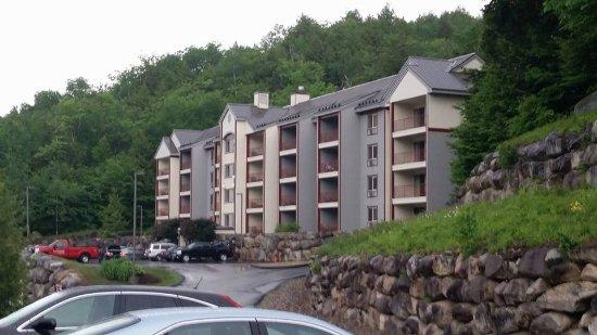 InnSeason Resorts Pollard Brook: One of the hotel buildings
