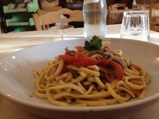 Colfiorito, Ιταλία: Bello e buono. #mangiadagio