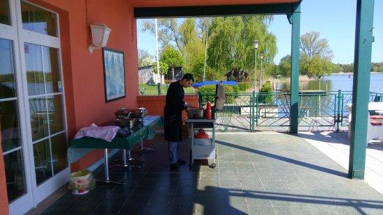Restaurant Zum Fischerufer: Grillen zum Herrentag