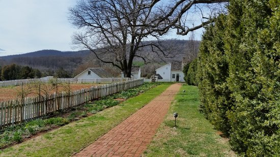 James Monroe's Highland: Grounds by the Garden