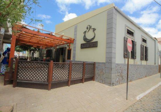 Espargos, Cabo Verde: Restaurant midden in het stadje.