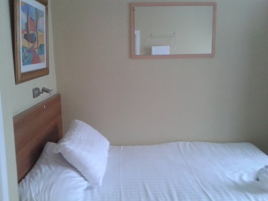 Aisling Guest House: super comfy bed