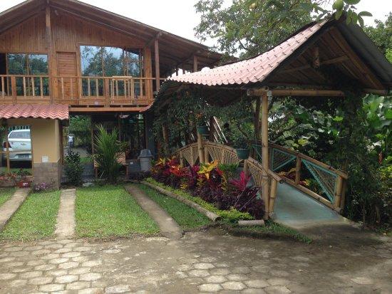 Ananaw Hostel