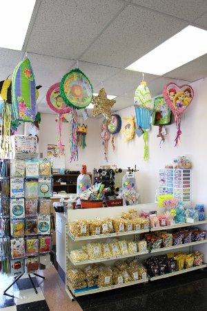 Weaver Nut Sweets & Snacks: Balloons & Pinata's at your favorite Party destination!
