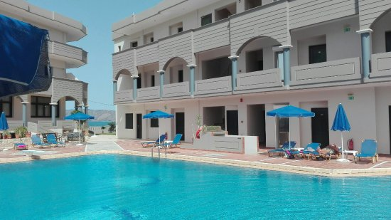 Christina Beach Hotel: IMG_20160617_160703_large.jpg