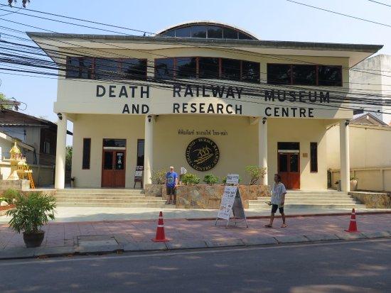 The Thailand-Burma Railway Centre : Death railway museum
