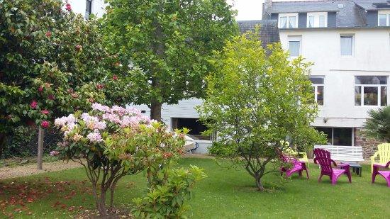 Hôtel Hermitage : jardin derrière