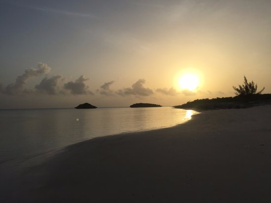 Three Marys Cays: Sunrise