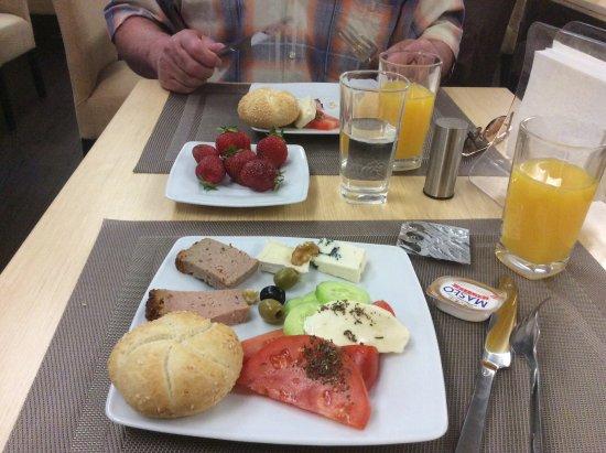 Hotel Impresja: Завтрак