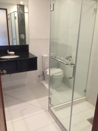Golden Palm Resort : 2nd floor bathroom