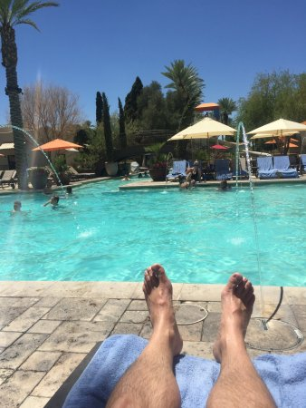 Litchfield Park, AZ: Relax at the pool