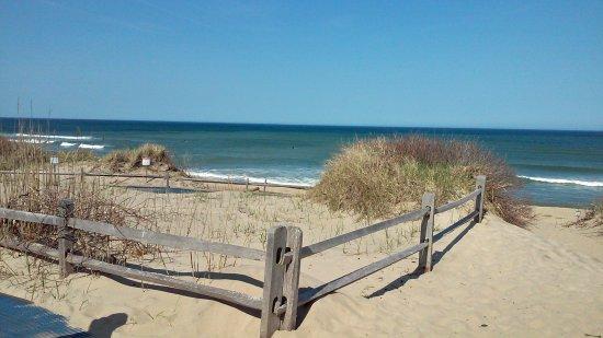 Allen Harbor Breeze Inn & Gardens: Beautiful Nearby Beaches