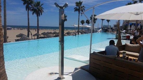 Veduta della spiaggia foto di playa de la malvarrosa for Spiaggia malvarrosa valencia